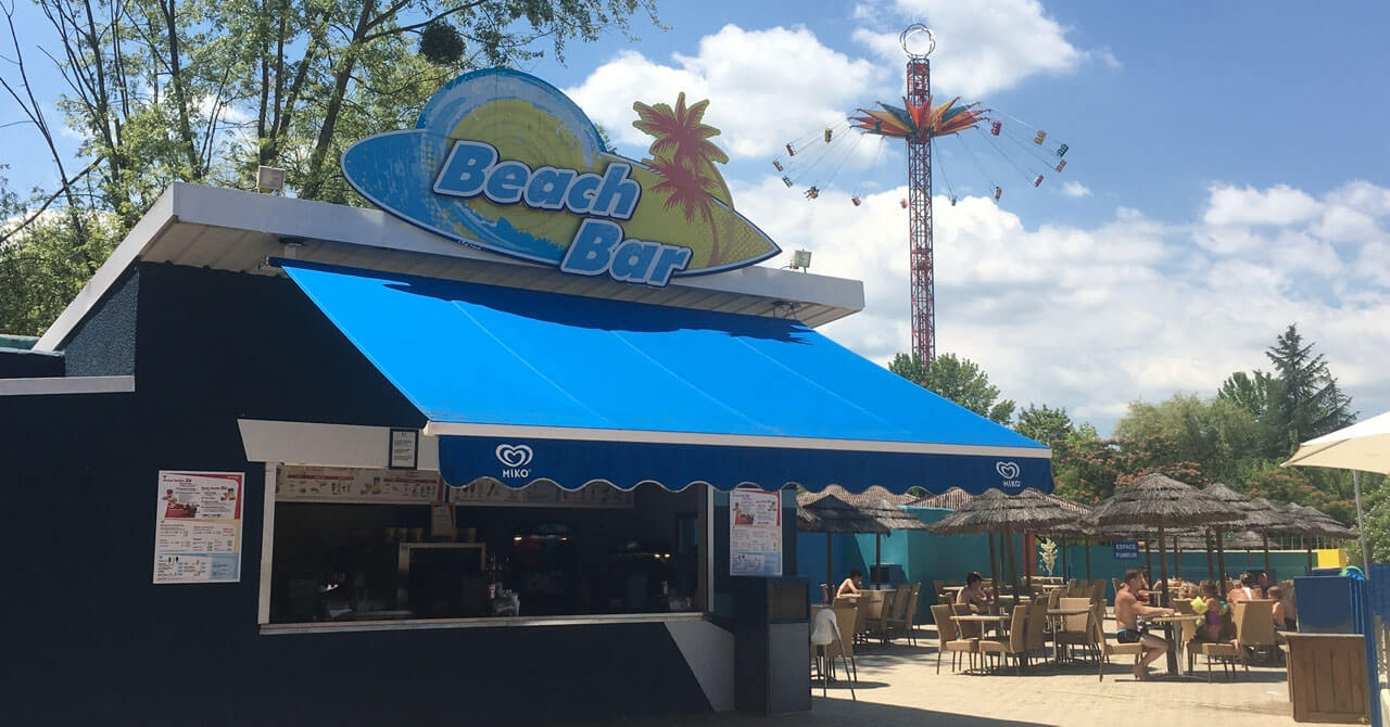 photo du restaurant Beach Bar au parc Walibi Rhône-Alpes
